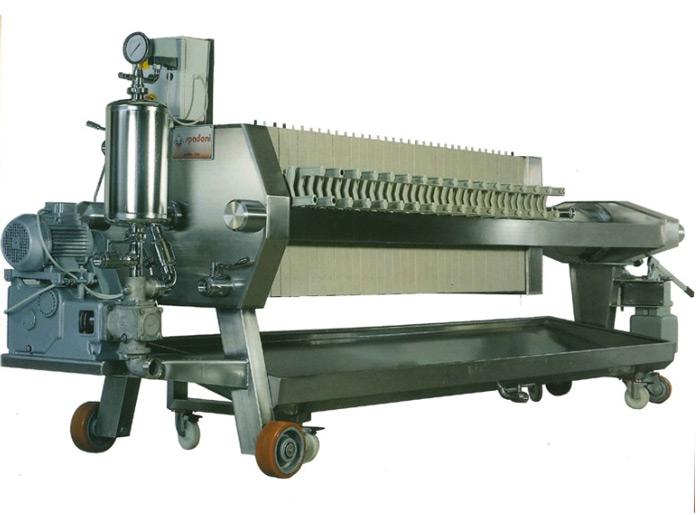 Bev-tech-littoral-sud-materiel-vinicole-chai-cuve-inox-vin-beziers-grenoble-nice-bayonne-produit-vinicole-filtration-flottation-filtre-presse